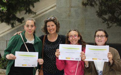 Tres alumnas premiadas en certamen literario
